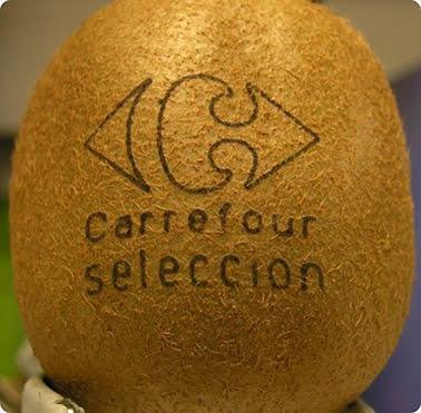 carrefour-kiwi-laser Les aliments comme support de pub