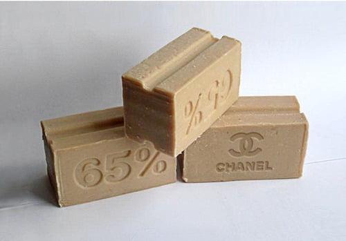 3 Des logos associés à des objets inattendus