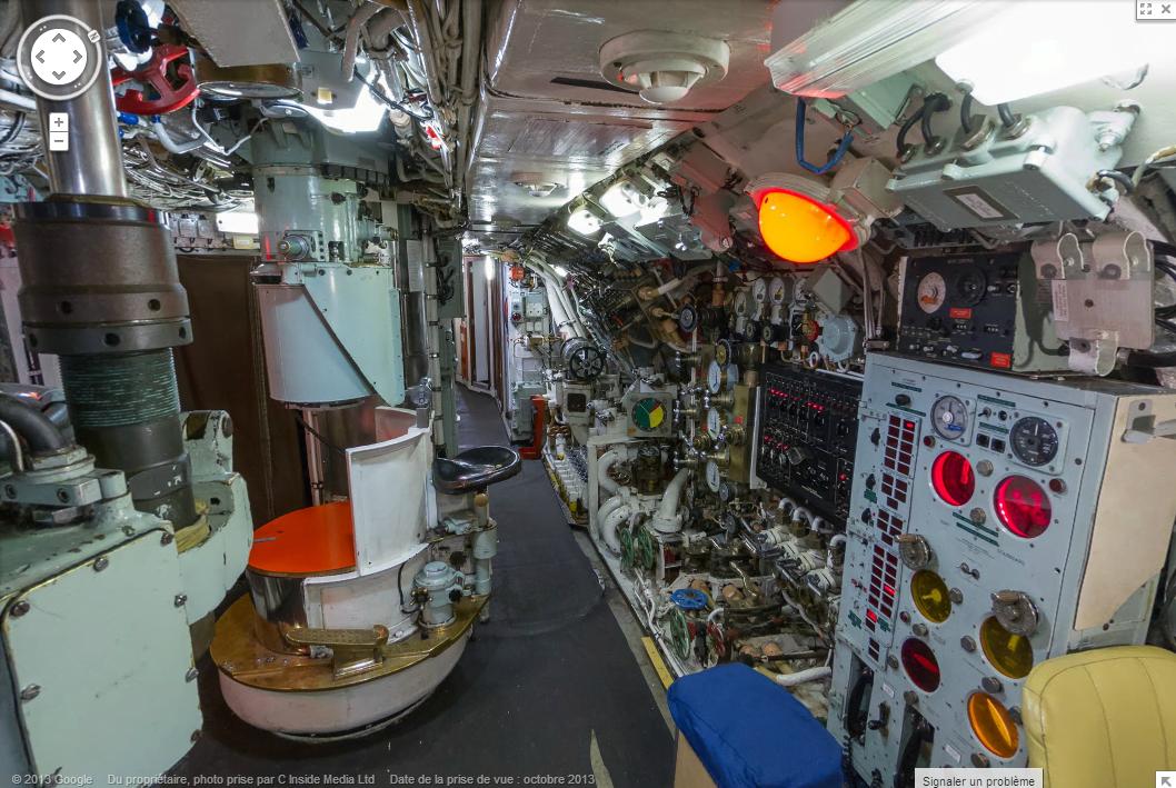 Visitez un ancien sous marin britannique gr ce google for Interieur sous marin