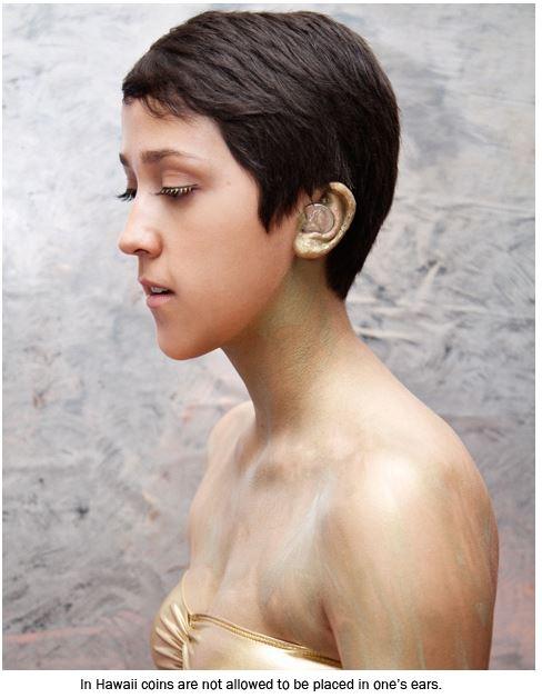 ifoughtthelaw-piece-oreille Les lois américaines les plus loufoques mises en scène par une photographe