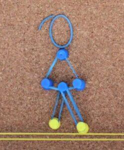 a-girl-named-elastika1-249x300 Une superbe animation en punaises et élastiques !