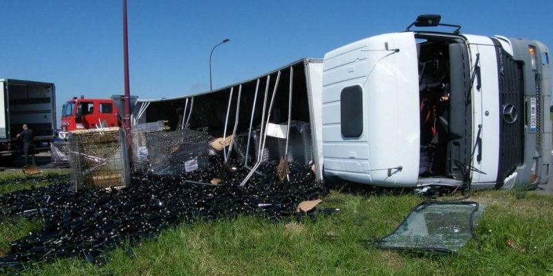 camion-18-000-bouteilles-cassees L'image du jour : gâchis de bon vin