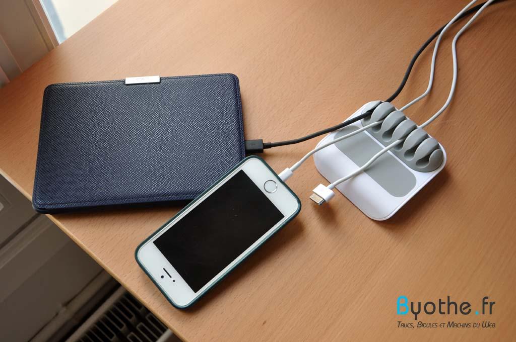 stoppi-cables4 Finis les câbles en vrac sur votre bureau grâce à Stoppi !