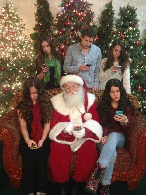 noel-moderne Byothe.fr vous souhaite à tous un super Noël !