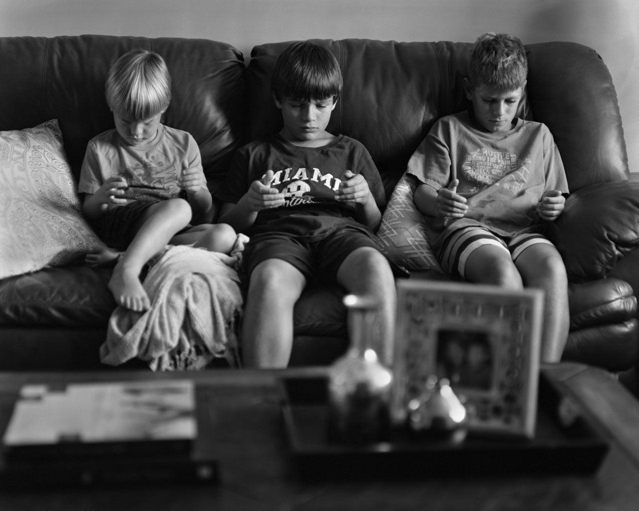 grant Un photographe enlève les smartphones sur ses photos