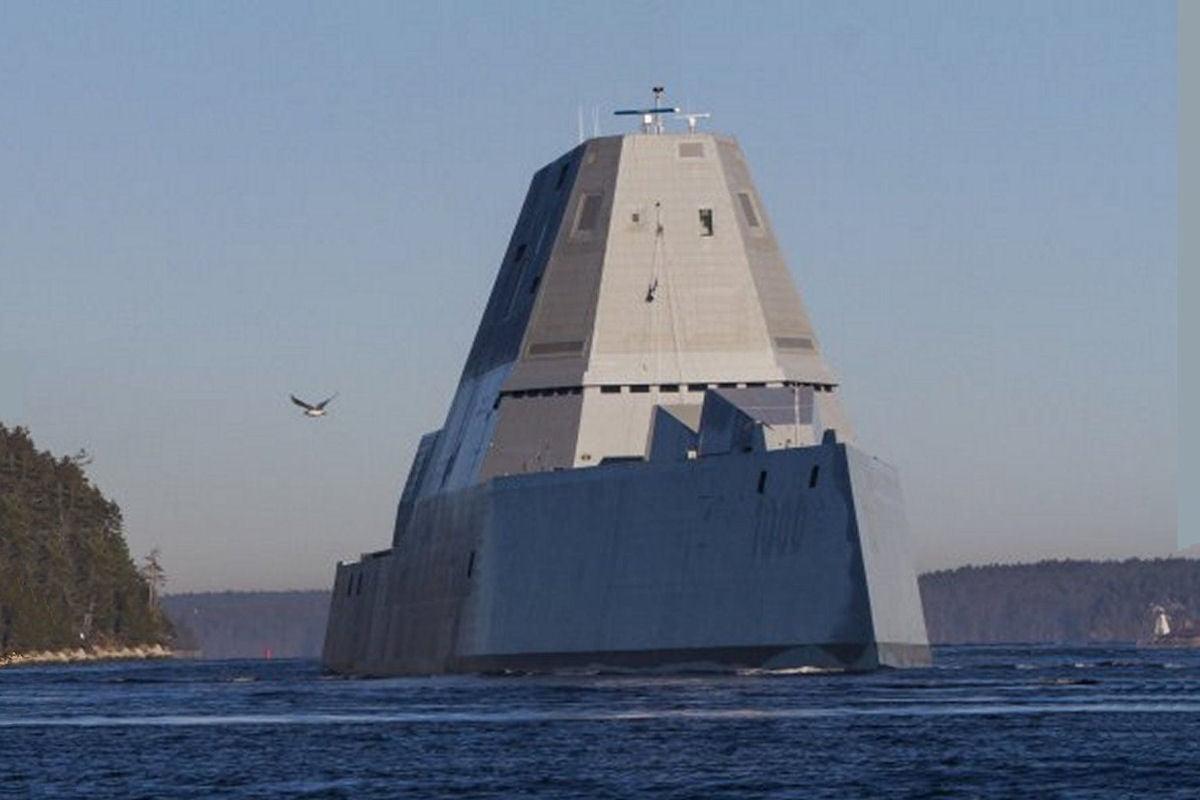 uss-zumwalt2 L'image du jour : le nouveau navire de guerre furtif de l'US Navy