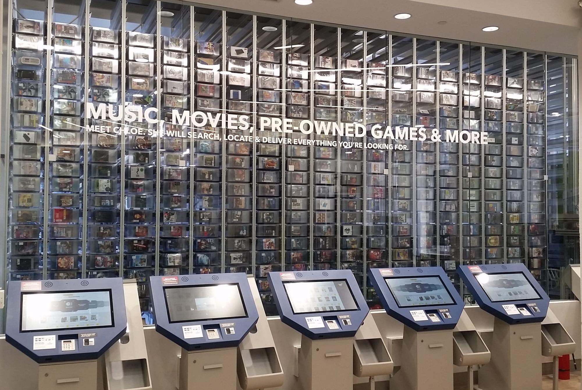 best-buy-magasin-robot A New York un bras robotique vend des CD et des DVD 24h sur 24