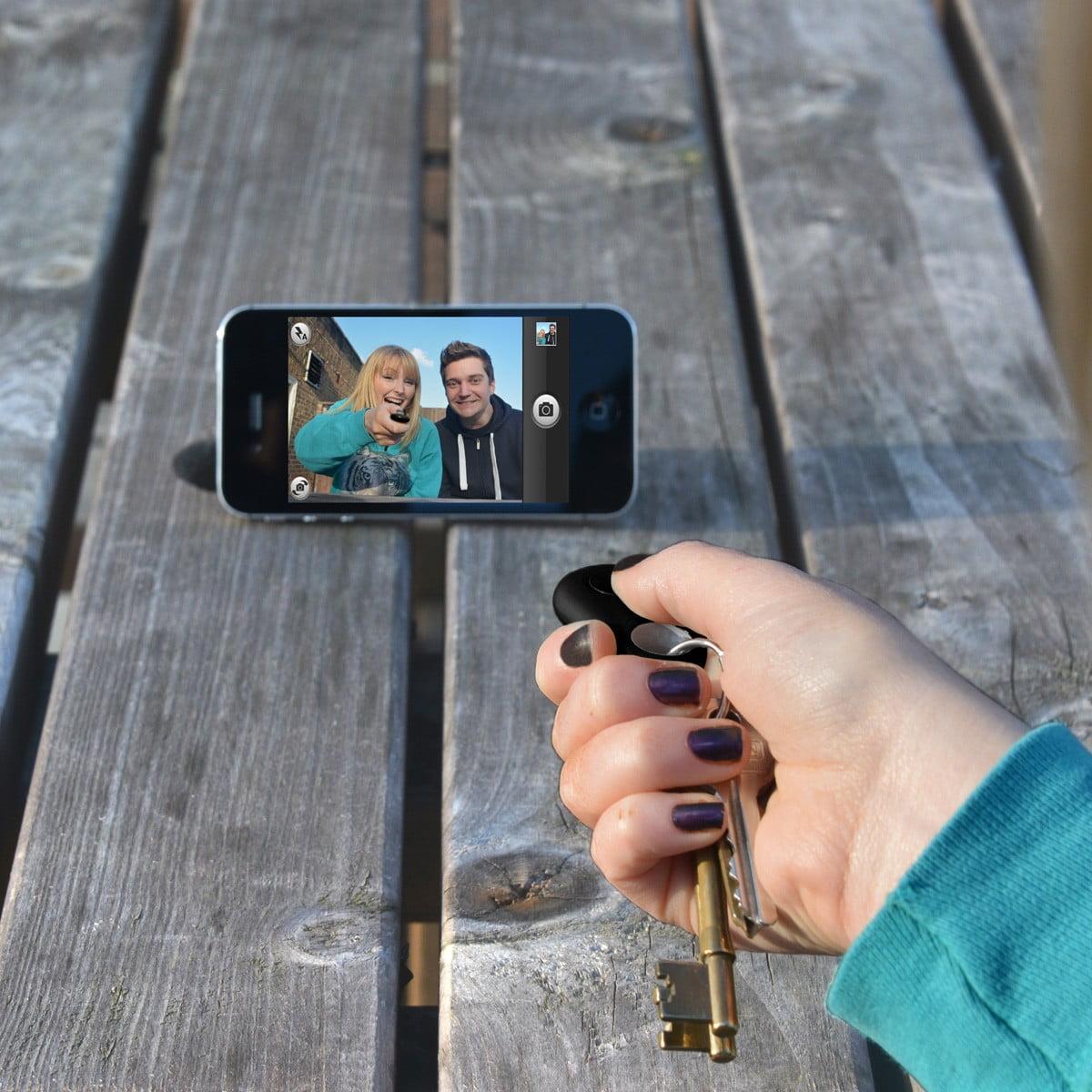 porte-cles-iphone-finder-avec-fonction-selfie Retrouver son iPhone en un clin d'œil, c'est facile !