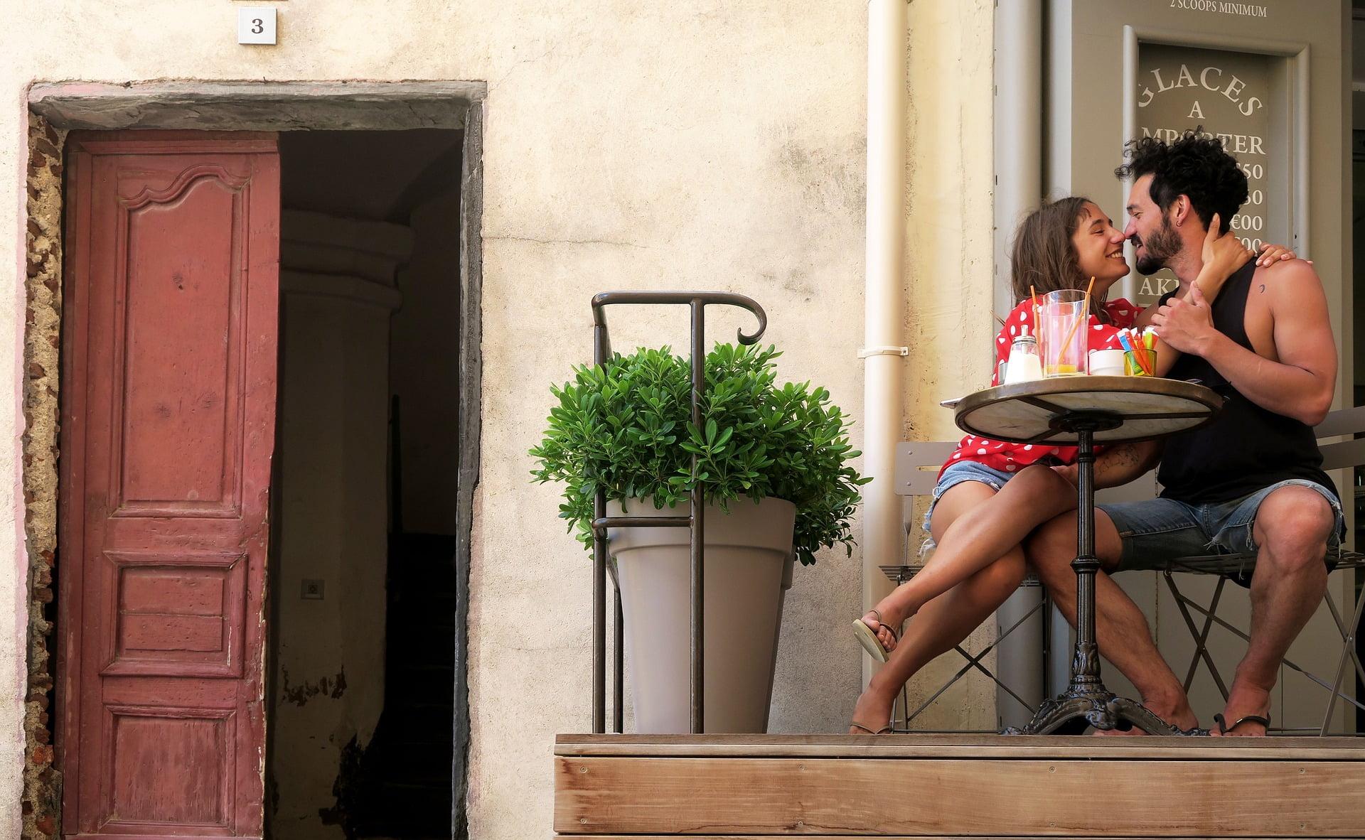 in-love-2503412_1920 Les français et les sites de rencontres, une histoire d'amour ?