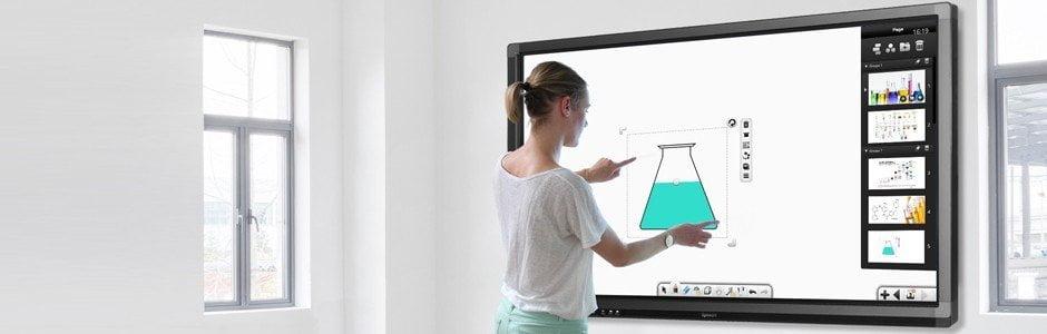 ecran-tactile-interactif-speechitouch-65pouces Les écrans interactifs transforment radicalement les salles de classe
